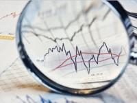 Türk lirasındaki düşüş ve olası Fitch indirimi bankaların sermayesini nasıl etkileyecek?